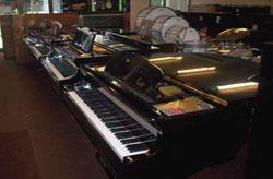 โชว์รูมเปียโนจากญี่ปุ่นและยุโรป